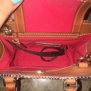 Dooney & Bourke Bags - Dooney and Bourke purse cross body